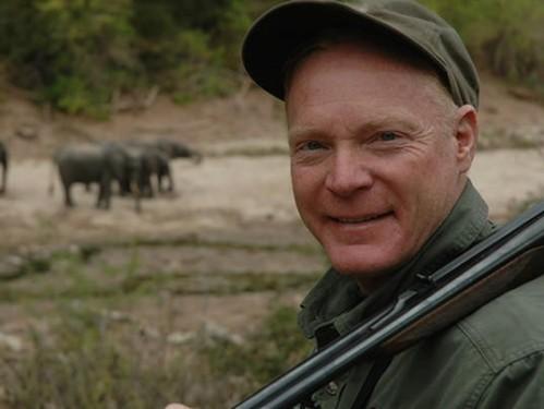 elephants_zambezi_valley
